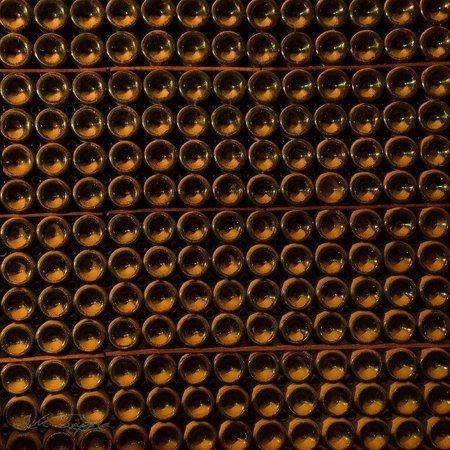 Grandes Caves Saint Roch - Blanc Foussy: Vieillissement sur lattes, Crédit photo Jean-Michel SUPERA