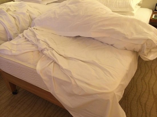 Grand Hyatt Beijing: The bed was not properly made