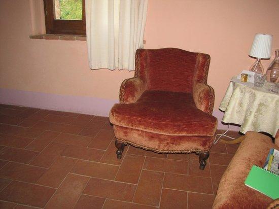 Al Giardino degli Etruschi: Rincón de lectura en el dormitorio