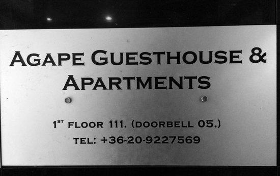 Agape Aparthotel : Табличка отеля при входе
