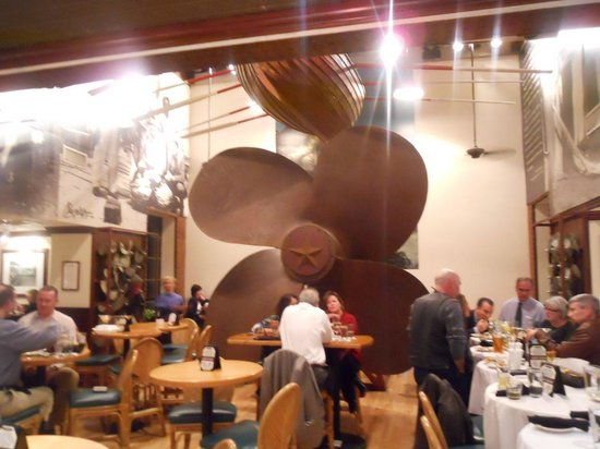 Seafood Katy Freeway The Ship S Propellor In Restaurant