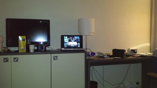 Mercure Hotel Köln West: Streaming TV from home