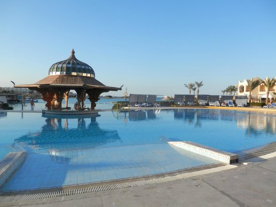 Sunny Days Palma De Mirette Resort & Spa: pool/ bar