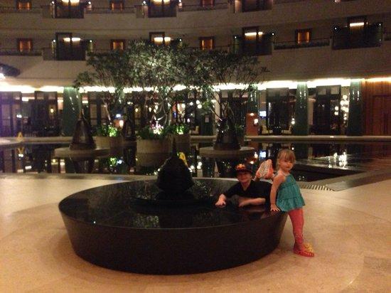 Millennium Resort Patong Phuket : Lakeside Wing Lobby