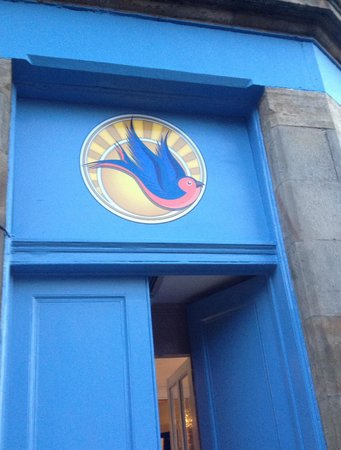 The Bluebird Cafe: Entrance