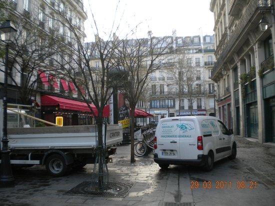 Hotel Agora: улица