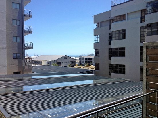 DoubleTree by Hilton Cape Town - Upper Eastside: Room 201 - View