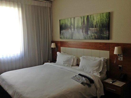 DoubleTree by Hilton Cape Town - Upper Eastside: Room 252 - Queen Bed