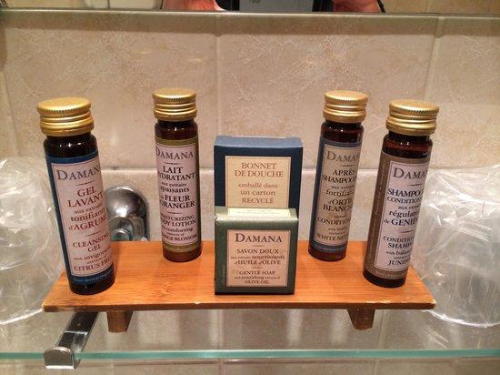 Hotel des Arts - Montmartre: la salle de bain