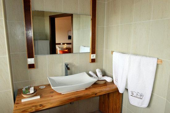 Moringa Hotel: Salle de bain - Photo Flavie Jeannin
