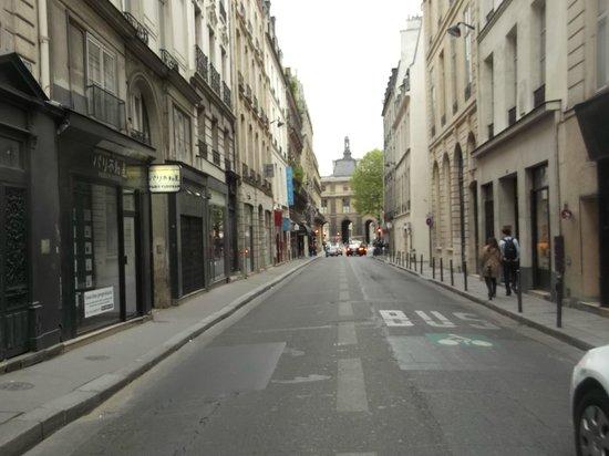 Louvre Piemont Hotel: Улица Ришелье