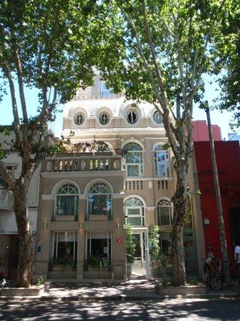 Rendez Vous Hotel Buenos Aires : La façade
