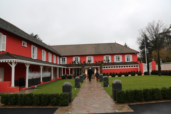 Rouge & Blanc - Les Maritonnes : le restaurant rouge et blanc ex maritonnes