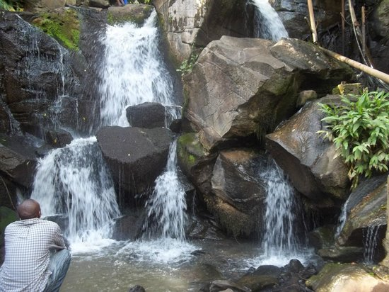 Oloolua Nature Trail: The waterfall
