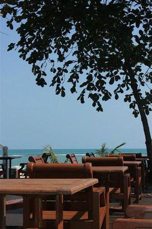 Al's Laemson Resort: Outdoor view