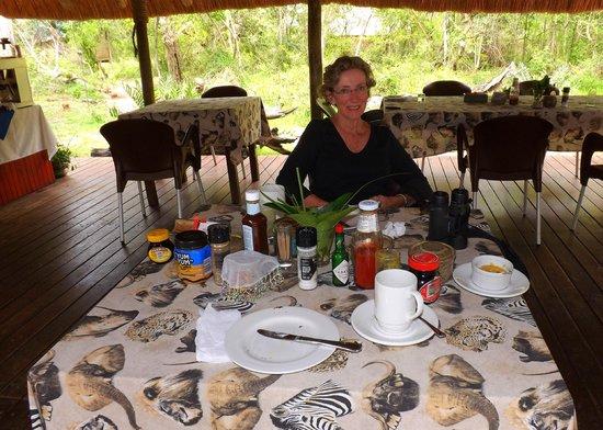 Tembe Elephant Park Accommodation : Dining area