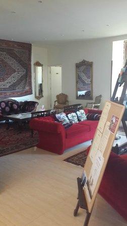 Beit El Kroum: reception area