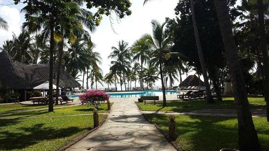 Sandies Tropical Village: Piscine de l'hotel