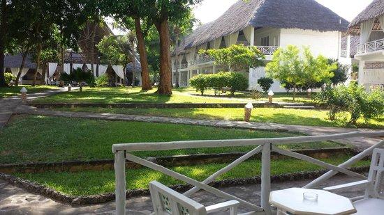 Sandies Tropical Village: Jardins