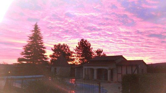 Vitrac, France : lever du soleil au petit matin sur la Salamandre