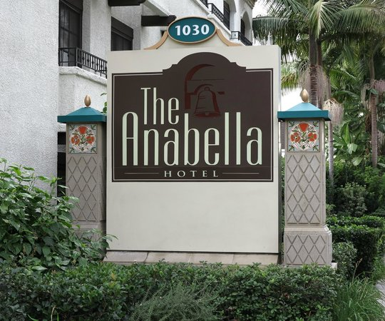 The Anabella: Signage