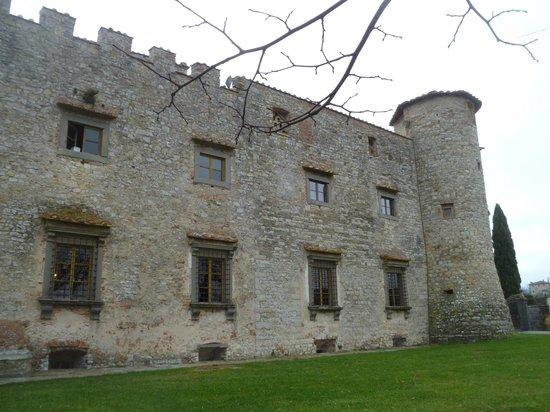 Castello di Meleto : castle exterior