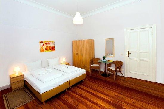 Hotel Pension Elegia: Doppelzimmer