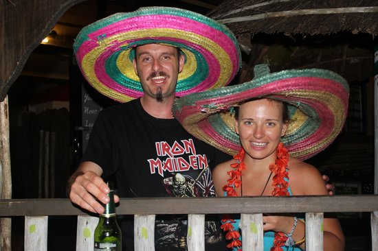 Monkey Bay Backpackers: happy guests