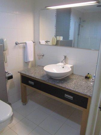 Surmeli Istanbul : Bathroom