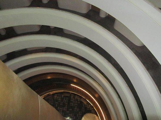 Surmeli Istanbul: Elevator