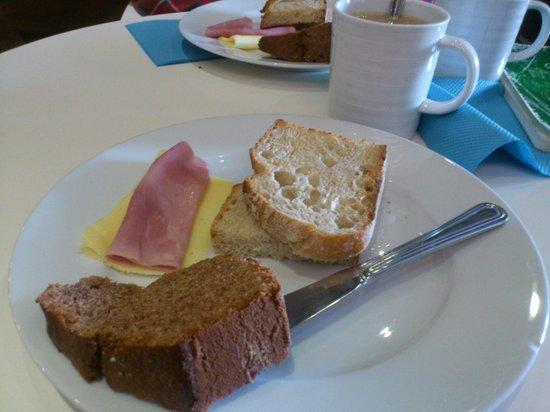 Downtown Design Bed & Breakfast : Desayuno buffet