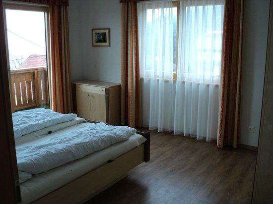 Goetzfried Hof : Bedroom 1    2 Bed Apartment