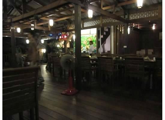 Bua Restaurant: Plenty Of Seating Space