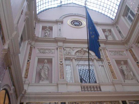 Les Galeries Royales Saint-Hubert : galeries saint hubert - interno - controfacciata
