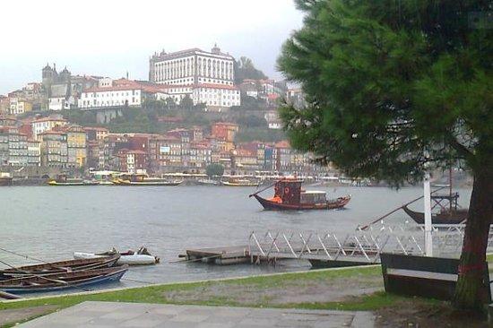 Apulia Praia Hotel: Porto à 40kms