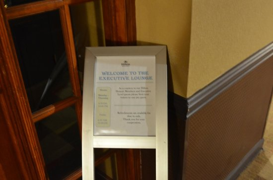 Hilton Charlotte University Place : Exec Lounge Hrs
