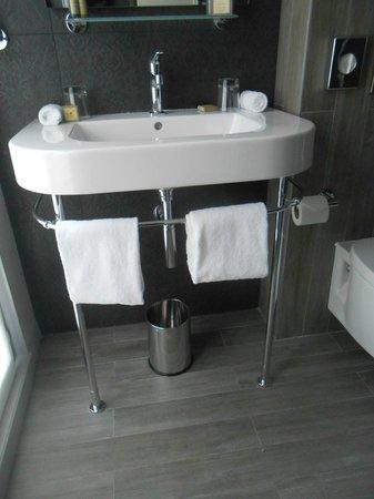Les Plumes Hotel : salle de bain