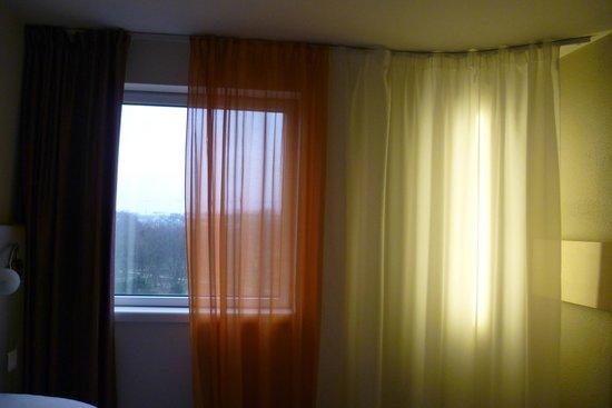 Ibis Styles Paris Bercy : room window