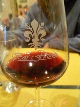 Bar Firenze: decent chianti served here