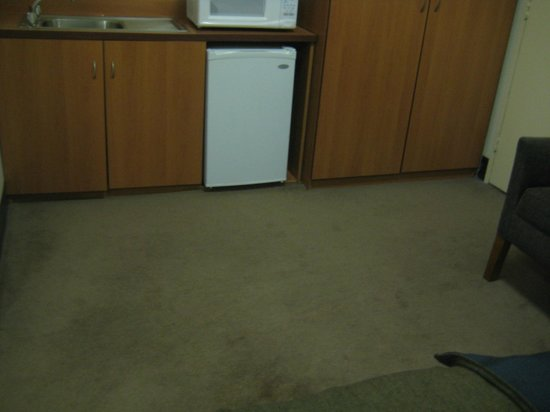 Mercure Welcome Melbourne: Teppichboden im Zimmer
