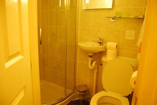 Newmarket Ale House: la doccia è invece davvero capiente