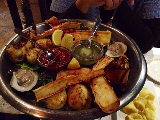 Vieux-Port Steakhouse : The seafood platter