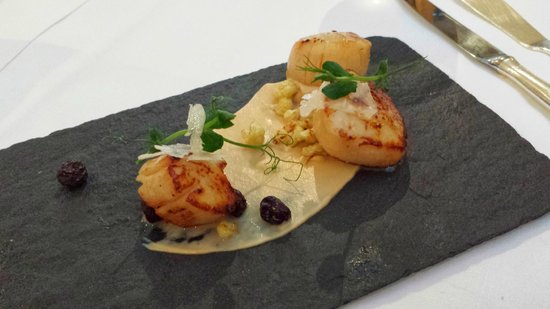 Gilpin Hotel & Lake House: Scallops - my favourite dish!