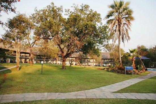 Victoria Falls River Lodge - Zambezi Crescent: Azambezi River Lodge front view