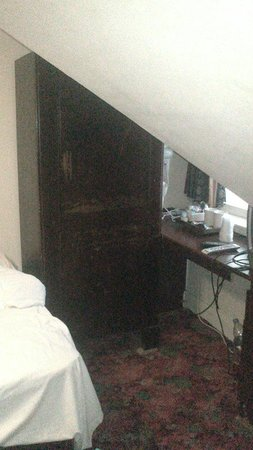 Rennie Mackintosh Station Hotel: Room