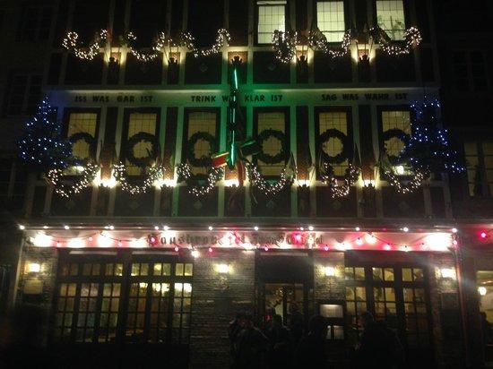 Hausbrauerei zum Schlussel : Front of Brewery in December