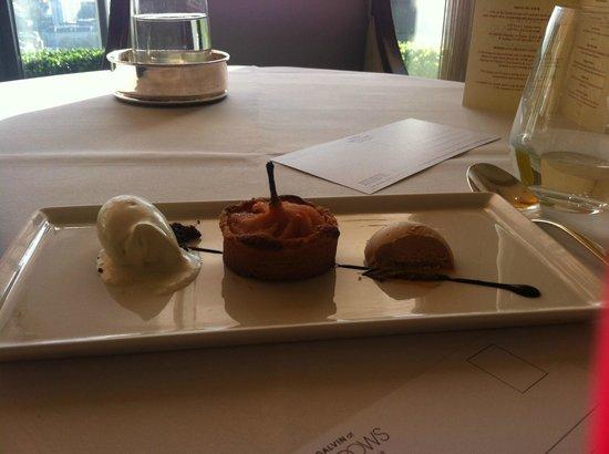 Galvin at Windows Restaurant : Pear and Frangipane tart, praline parfait & Douglas fir ice cream