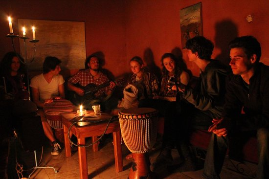 Surf & Chill Hostel : All evenings were full of music!