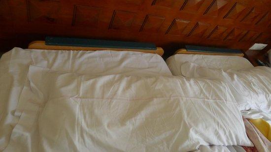 Balneario Termas Pallares - Hotel Termas: Detalle Camas habitación Termas Pallarés Hotel el Parque