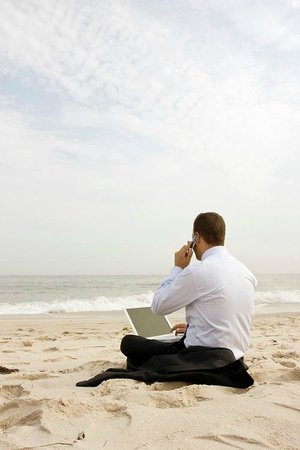 A Villa de Mer: run your office from the beach. FREE WI-FI.